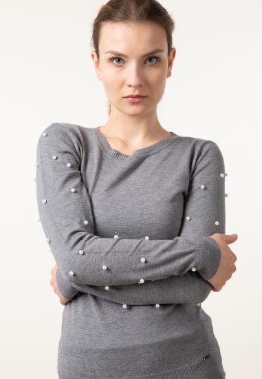 Sweter z perełkami z...