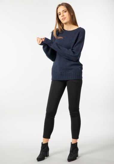 Sweter z brokatową nicią...