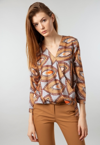 Wzorzysta kopertowa bluzka...