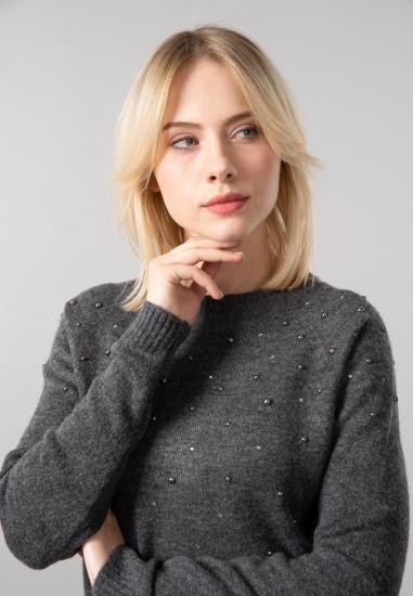 Sweter damski z ćwiekami Gas