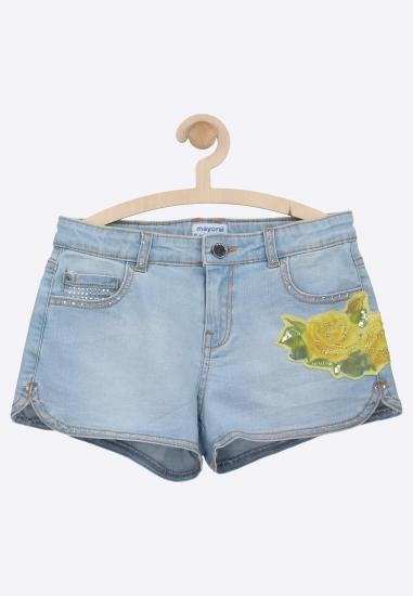Szorty jeansowe z naszywką...